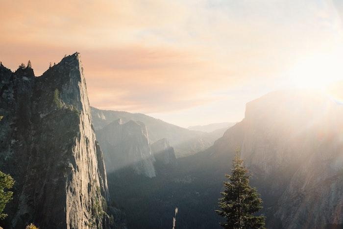 Yosemite amérique du nord paysage, les plus beaux pays du monde, fond d'écran paysage, montagne au coucher de soleil