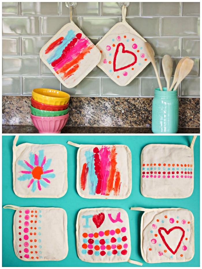 manique de cuisine personnalisée, décorée à la peinture acrylique, idée cadeau maman à faire avec les tout petits