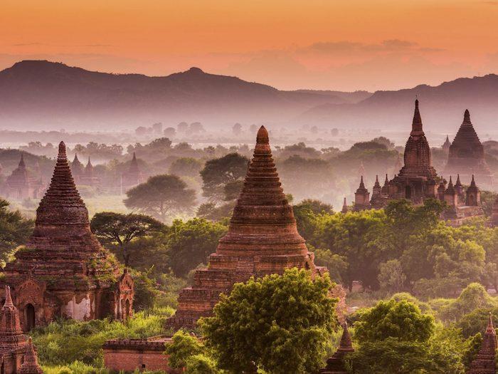 Magnifique Myanmar paysage, paysages de montagne, paysage fantastique photo pour arriere plan de portable montagnes et temples