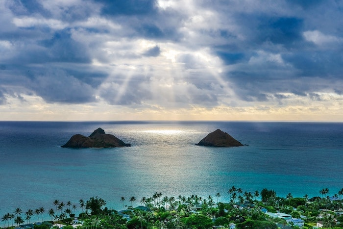 Océan paysage deux petits iles, la beauté de la terre, les plus beaux paysages du monde, palmiers et eau bleu