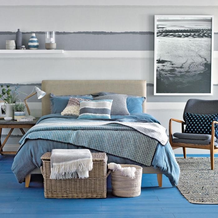 modèle de chambre à coucher gris et bleu, comment réaliser une deco marine stylée avec objets en fibre végétale