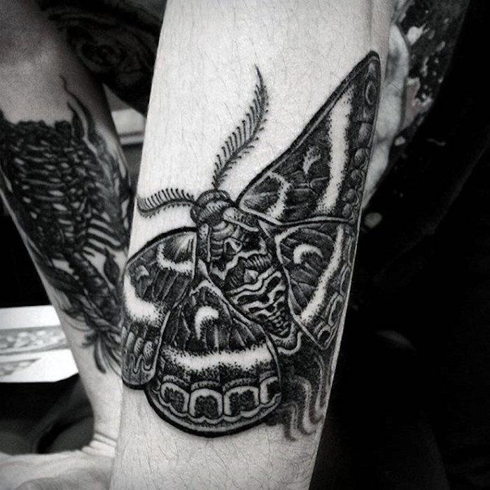 papillon graphique intéressant silhouette de papillon noir sur la peau, idée d image réaliste