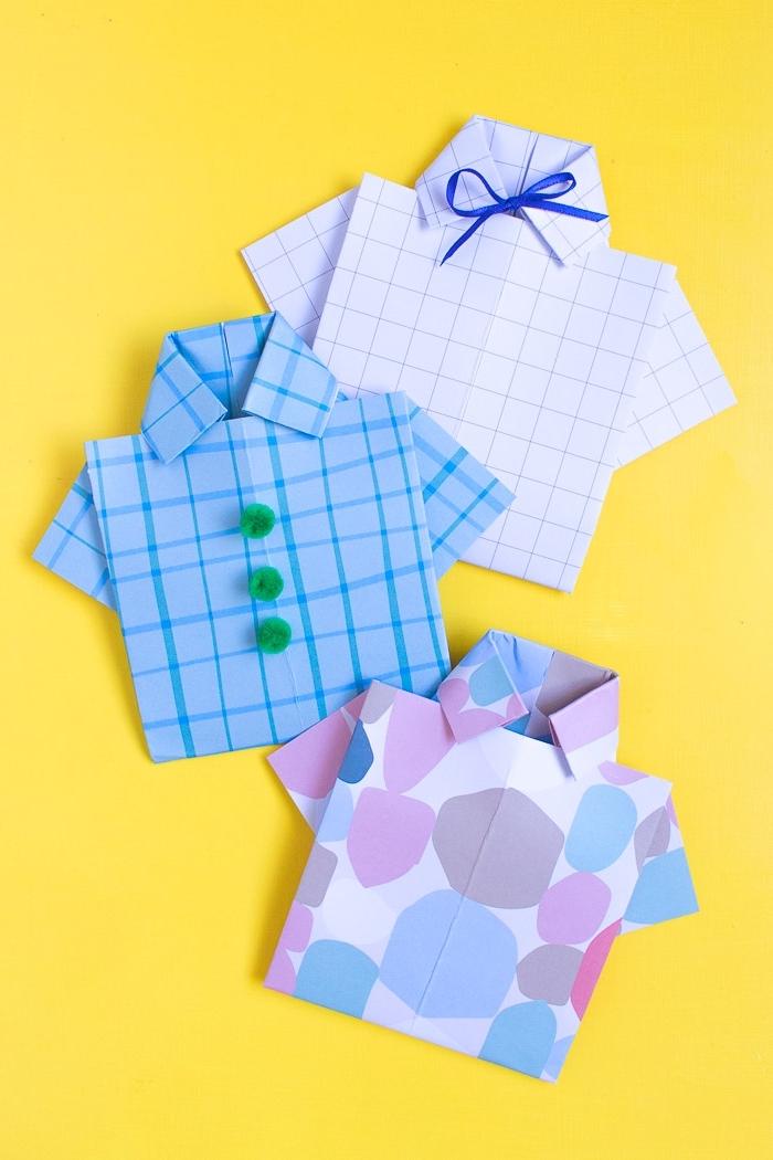 modèle carte de fete en forme de chemise, comment plier papier cartonné comme chemise avec papillon ou boutons pompons