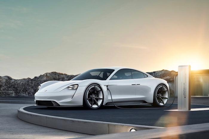LA veut éliminer les voitures à essence en 2030, loi de la mairie de Los Angeles, Porsche électrique véhicule