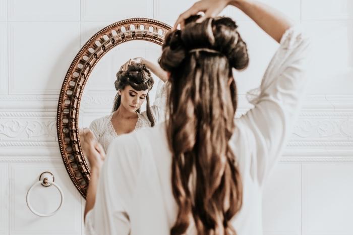 faire des boucles sur cheveux longs avec rouleaux chauffants, quelle coiffure de mariage pour cheveux longs