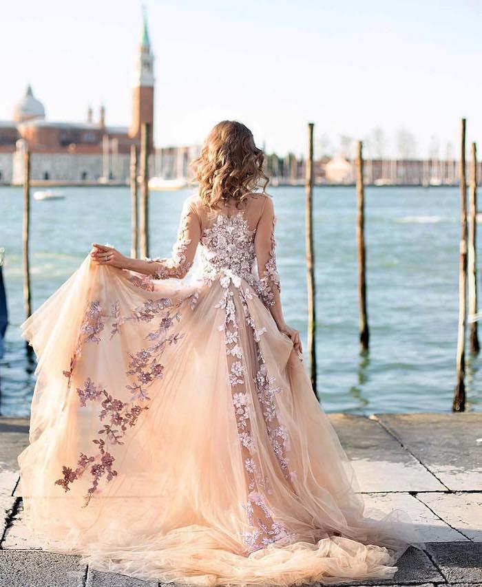 Robe de mariée dentelle, Venise photo femme, robe hippie, robe longue bohème, robe ete 2019, idée comment s'habiller