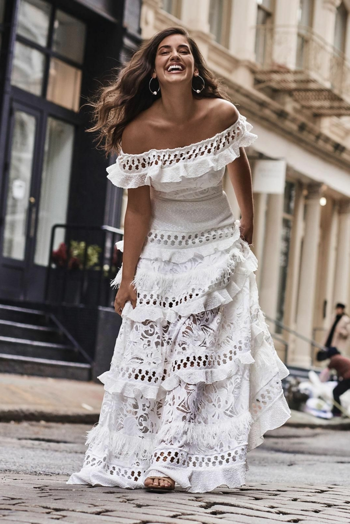 robe bohème chic dentelle, longue robe épaules dénudées, robe dentelle boheme, créoles