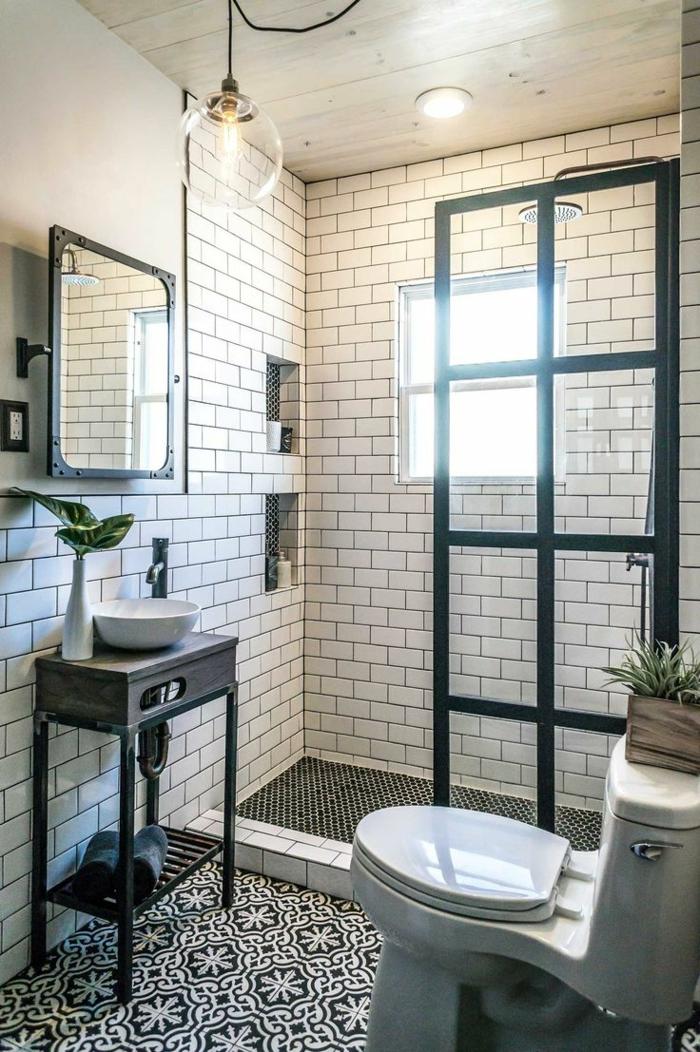 salle de bain esprit industriel, meuble sous lavabo rétro, miroir indus, cloison vitrée industrielle