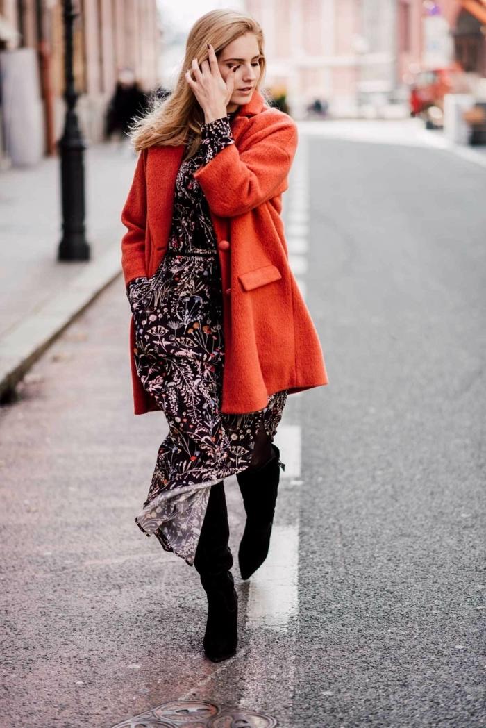 Hiver tenue bohème, robe longue manche longue, manteau orange, robe longue bohème, robe longue femme, tenue décontractée avec bottines à talon cuissards
