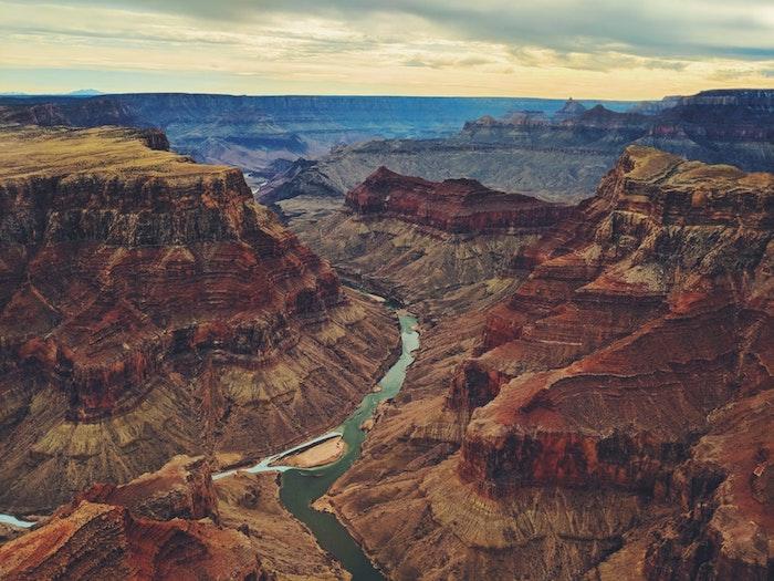 Amérique de nord paysage du grand canyon et la rivière, les plus beaux pays du monde, fond d'écran paysage