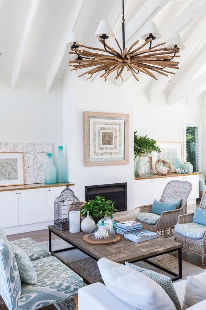 comment décorer un salon blanc avec meubles de bois, idée luminaire en bois flotté pour une décoration marine