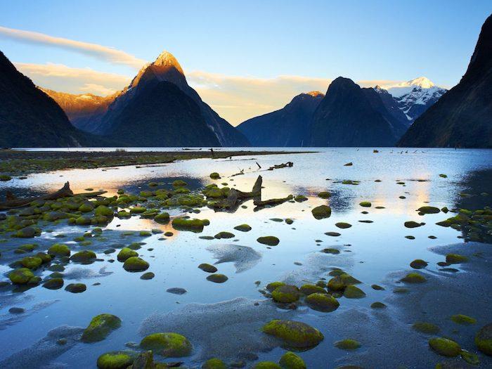 Se laisser à être étonné de la beauté de la terre, montagnes et lacs fantastiques, les plus beaux endroits du monde, paysage magnifique fond d'écran ordinateur