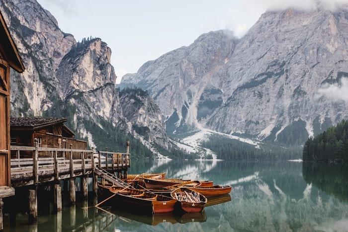 Une vue de lac et montagne, les plus belles photos du monde, paysage magnifique choisir une image