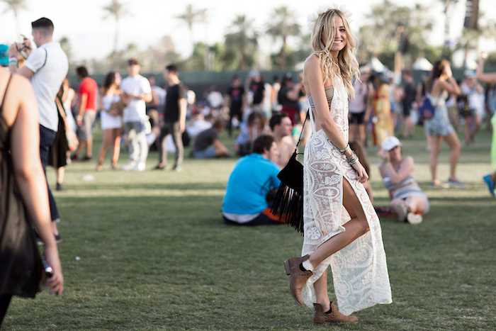 Dentelle longue robe blanche, tenue moderne, robe hippie chic, robe longue ete, robe ethnique, coachella tenue maillot de bain et robe