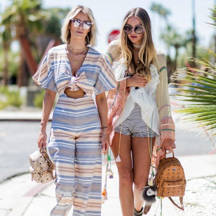 combinaison rayée, combi short rayé, tunique chiffon beige, lunettes style années 70, sacs à dos