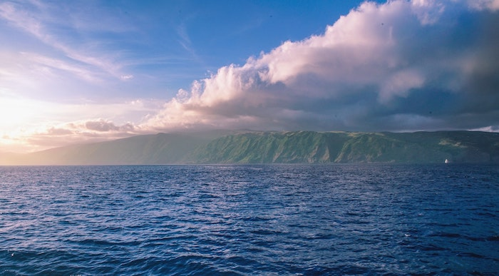Magnifique paysage exotique nature, paysage magnifique de bassin d'eau et montagne, les plus beaux paysages du monde