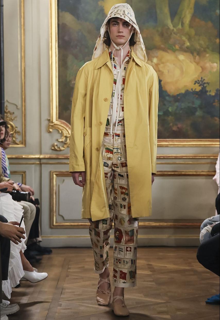 La marque new-yorkaise créée par Emily Adams Bode en 2016 et spécialisé dans le vêtement de luxe pour homme aux inspirations vintage a présenté sa collection printemps été lors de la Fashion Week de Paris SS19