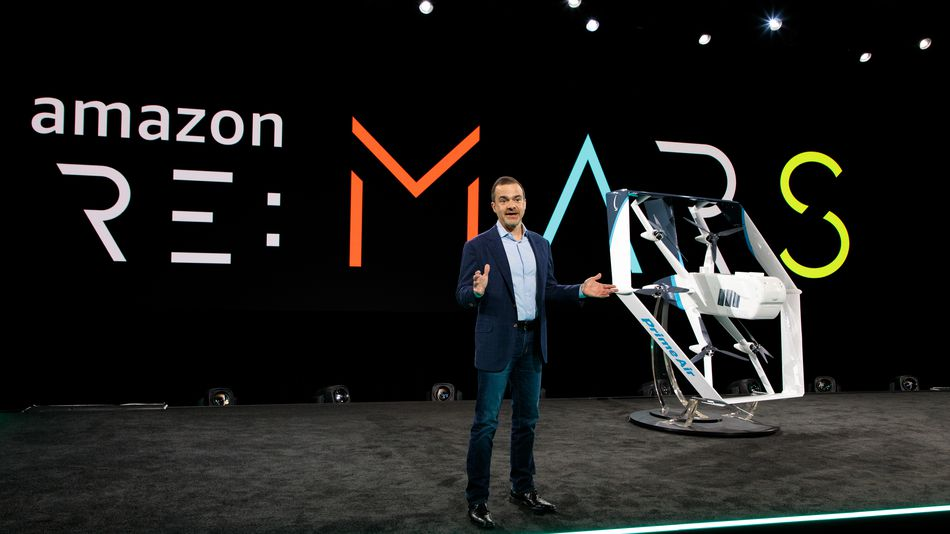 Jeff Wilke a présenté le nouveau modèle e drone de livraison autonome du projet Prime Air d Amazon