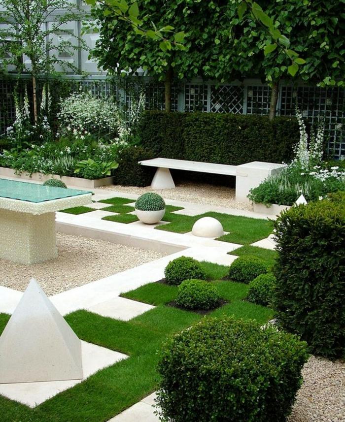 jardin paysager en blanc, gravier décoratif, endroits plantés verts, haie arbustes taillées, cloison japonaise