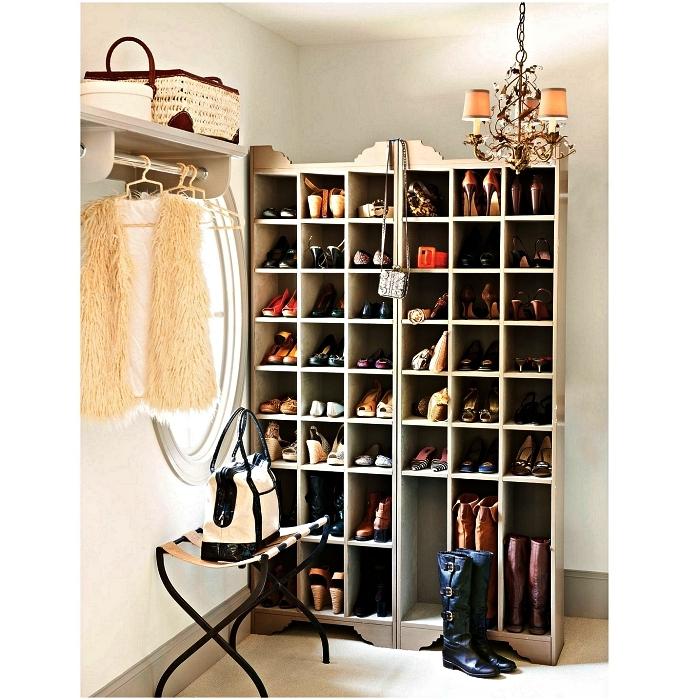 meuble de rangement chaussure à casiers à mettre dans l'entrée ou dans une pièce dressing, meuble à chaussures compartimenté