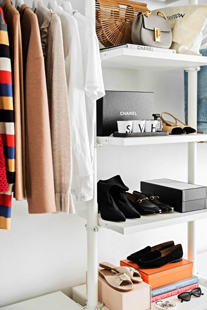 dressing ouvert avec système de rangement ikea, meuble chaussures ikea avec étagères ouvertes