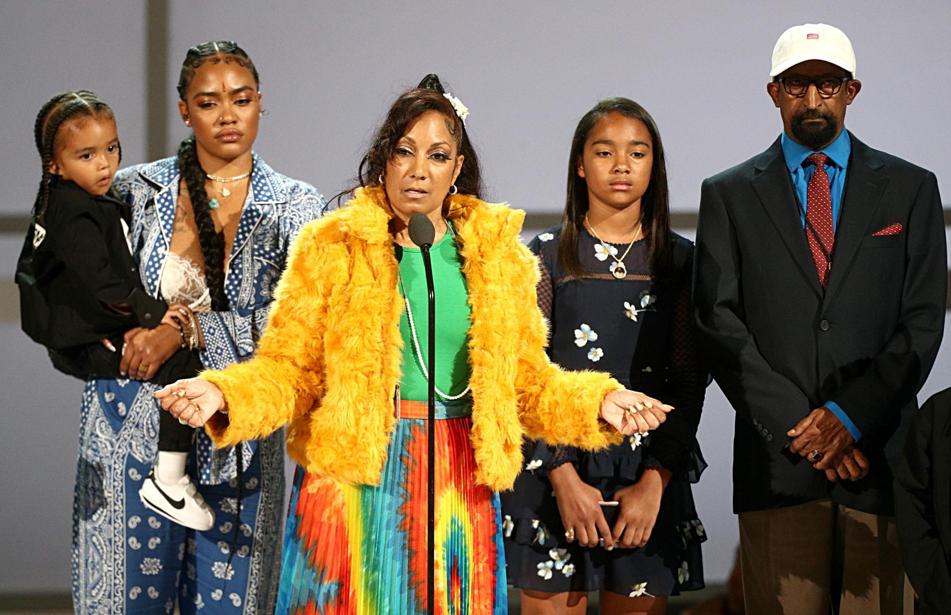 Cette cerémonie des BET Awards 2019 a été marquée par un vibrant hommage au rappeur Nipsey Hussle en présence de sa famille
