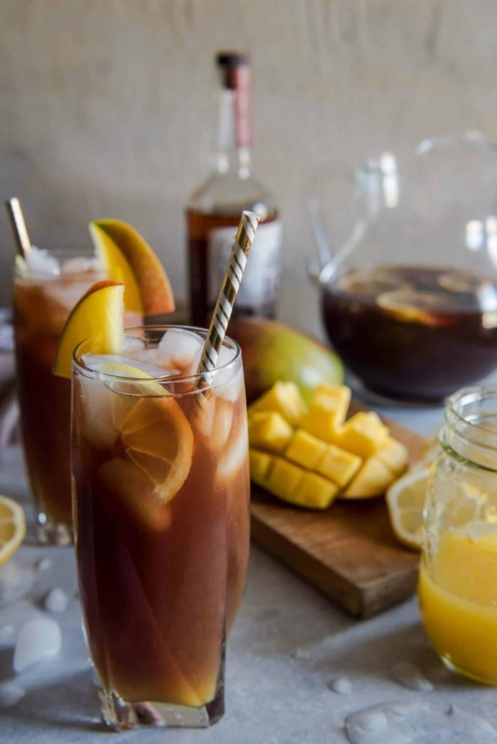 comment préparer un thé noir refroidi, idée recette thé noir avec mangue, exemple de recette thé glacé exotique