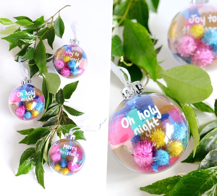 boule de Noel acrylique remplie de pompons colorés, script inspirant, décoration de table pour Noel
