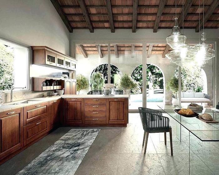 Grand espace cuisine rustique, maison avec piscine, cuisine ouverte, déco année 50, décoration rétro d'une belle cuisine vintage