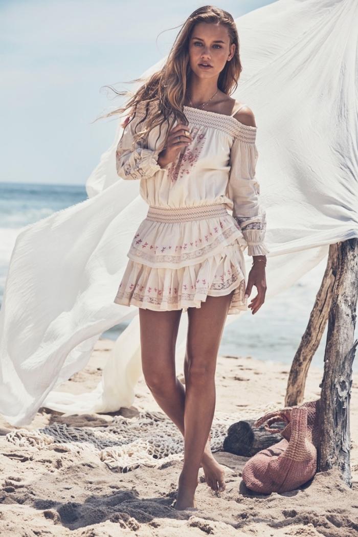 modèle de tunique de plage à col bateau avec bretelles, idée vêtements de style bohème chic pour femme été