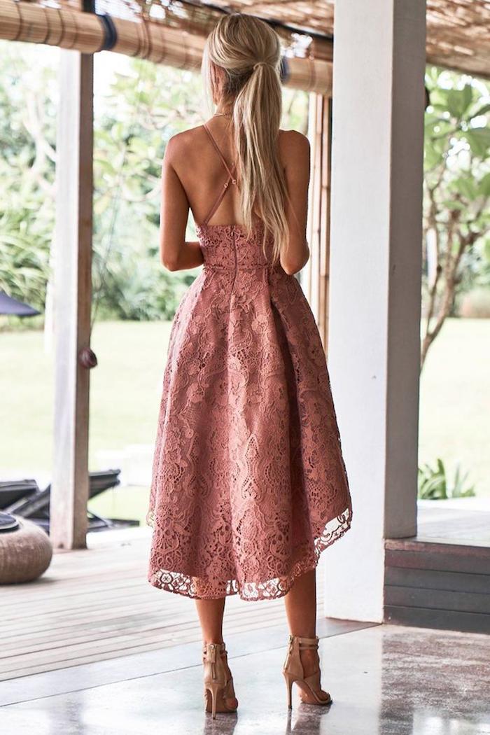 Robe dentelle soirée, rose pale robe de ceremonie tendance été 2019, robe courte devant longue derrière en dentelle