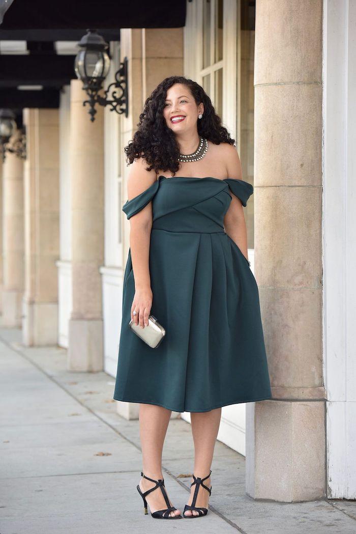 choisir sa tenue habillée pour mariage invité en fonction de sa morphologie idée robe à manches retombantes et jupe évasée