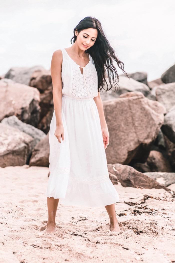 style vestimentaire femme bohème, idée robe boheme blanche ceinturée avec décolleté lacet et broderie florale