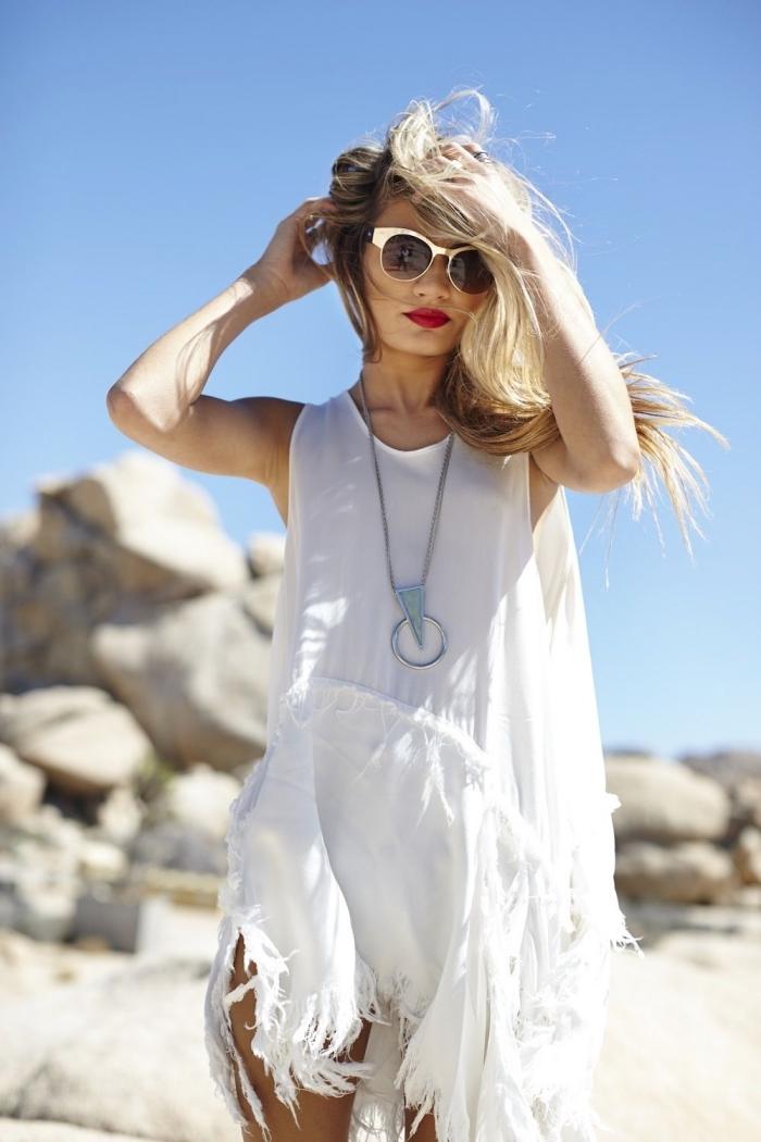 mode bohème chic femme, vêtements femme été, modèle de robe courte bohème chic blanche avec franges