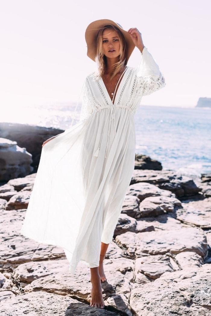 mode bohème chic femme, quelle tenue de plage femme, idée robe bohème chic longue et fluide aux manches longues