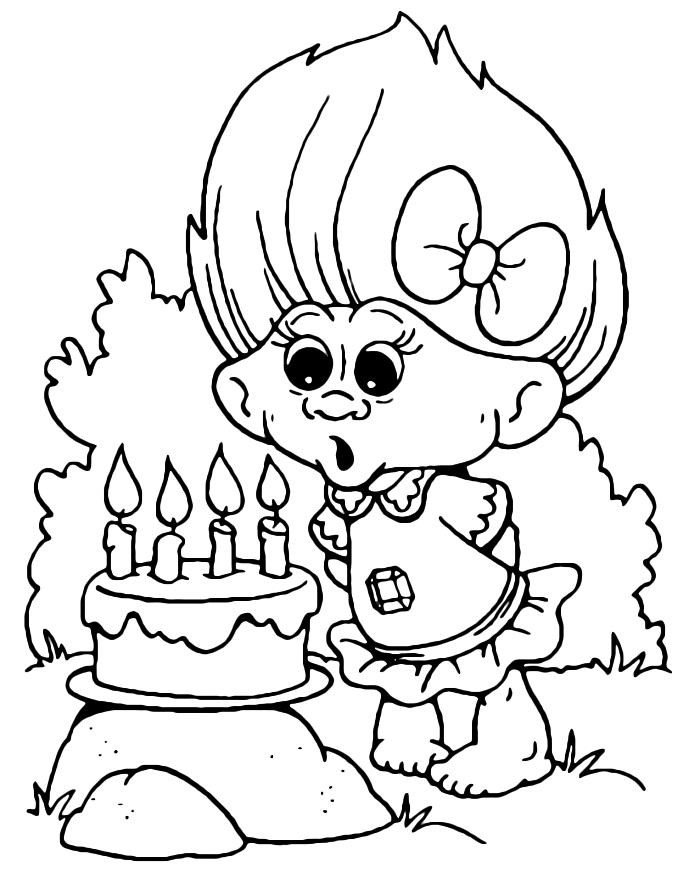 activité de coloriage dessin animé, dessin à imprimer pour coloriage les trolls, coloriage petit troll soufflant les bougies d'un gâteau anniversaire