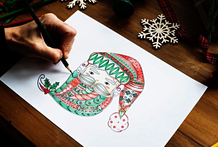 dessin coloré tête de père noël, coloriage thématique pour noël, coloriage noël pour enfants