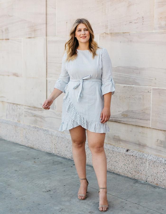 robe grande taille femme moderne à manches mi long, ceinture pour serrer la taille et bas asymétrique