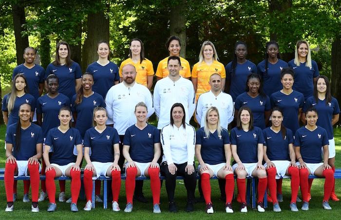 Photo officielle de l'Équipe de France et ses 23 joueuses sélectionnées pour la coupe du monde féminine 2019
