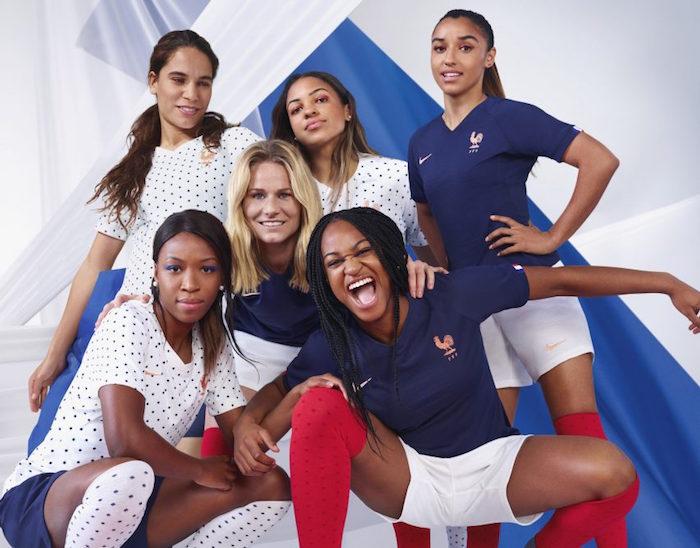 photo des joueuses de l'équipe de France féminine de football dans leur tenue officielle de la coupe du monde 2019 qui é débuté le 7 juin