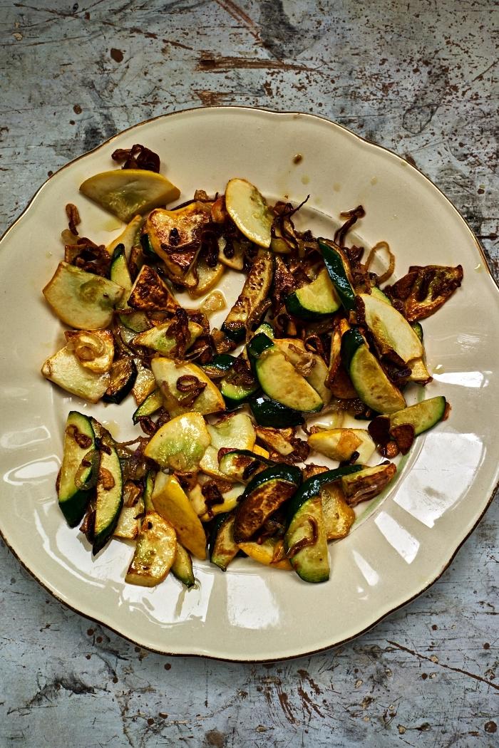 courgettes sautées à servir avec pâtes fritatta ou grillades, idée repas simple de tous les jours à base de courgettes