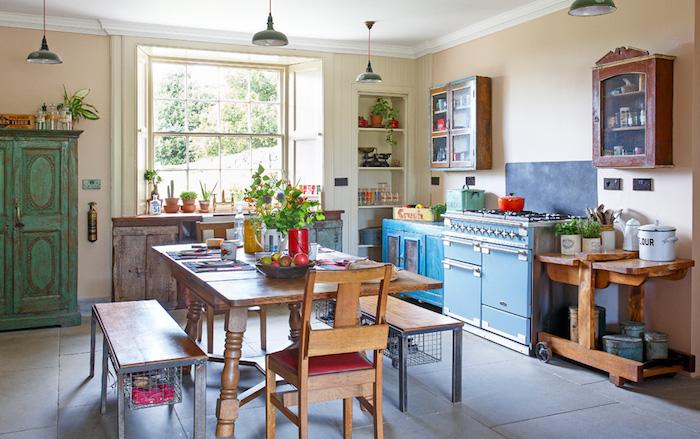 Meubles effet usagé, bois vieilli, cuisine renouvelée à la vintage, deco maison de charme, comment décorer la cuisine