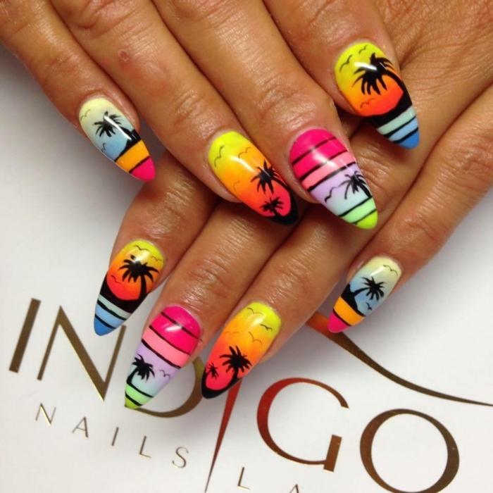 manucure néon, rayures noires, palmiers, motifs oiseaux, ongles dégradés