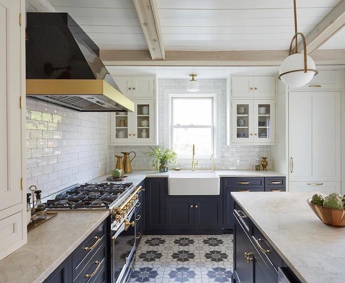 Cuisine blanc et noir cool, moderne couleur vintage, s'inspirer pour la déco de cuisine ancienne