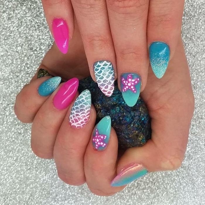 ongles sirène en rose et bleu, idée nail art écaille de sirène, pierre précieuse blue lumineux