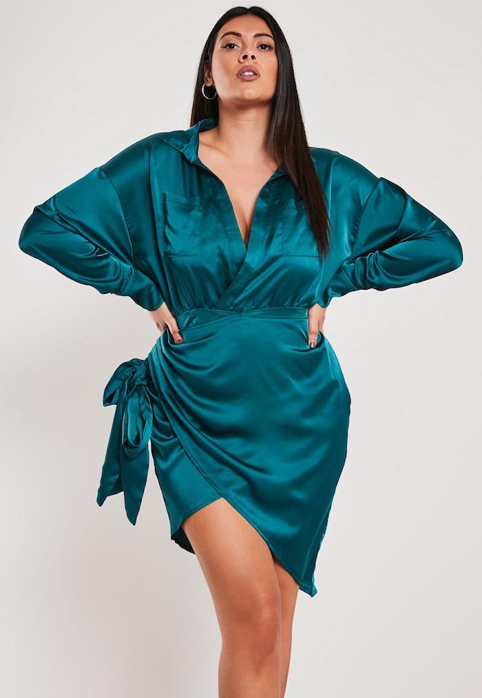 robe chemise femme ronde, exemple de robe drapée courte femme chic avec des manches longues