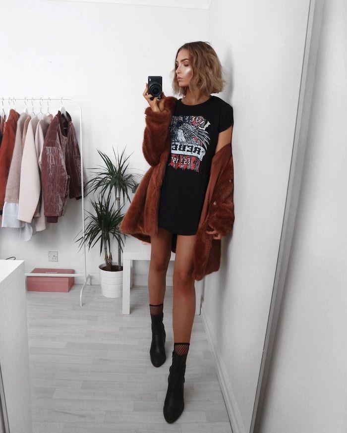 Fille moderne t-shirt pour tenue complet, tenue swag, image de fille, la beauté du monde, rangement vetements ouvert