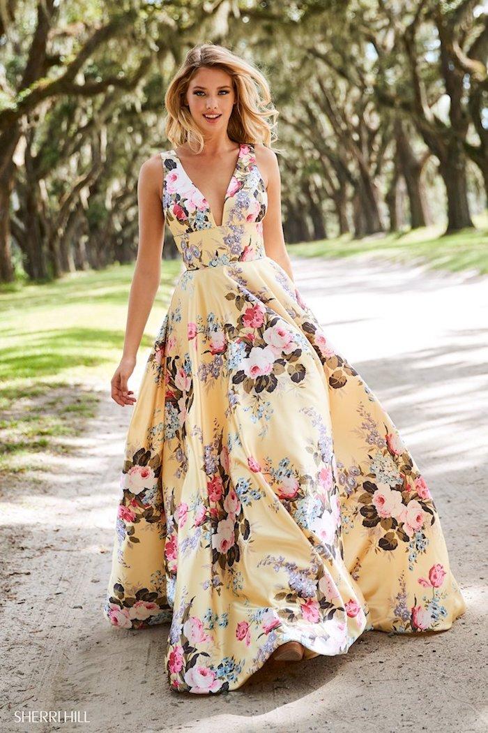 Jaune robe fleurie, robe bohème chic, robe de soirée courte chic, longue robe parfait pour un mariage