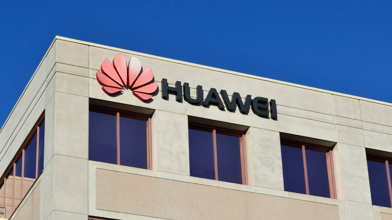 Le fabricant chinois Huawei envisagerait de remplacer Android par l'OS russe Aurora anciennement Sailfish