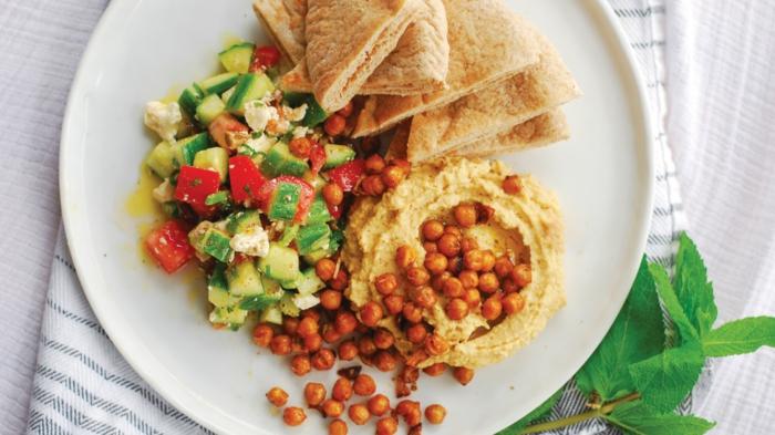 idee apero dinatoire avec pois chiches, salade grecque, tortillas mexicaines